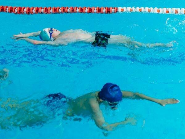 Чемпионы (плавание для детей)