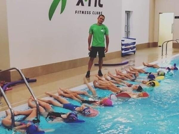 Акулы (плавание для детей)